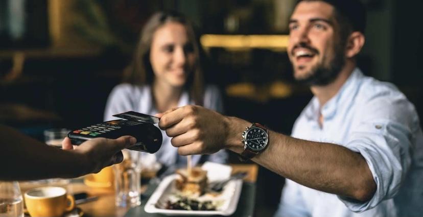 Los autónomos se podrán deducir los gastos de comidas con clientes